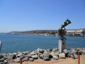 san diego beaches shelter island statue
