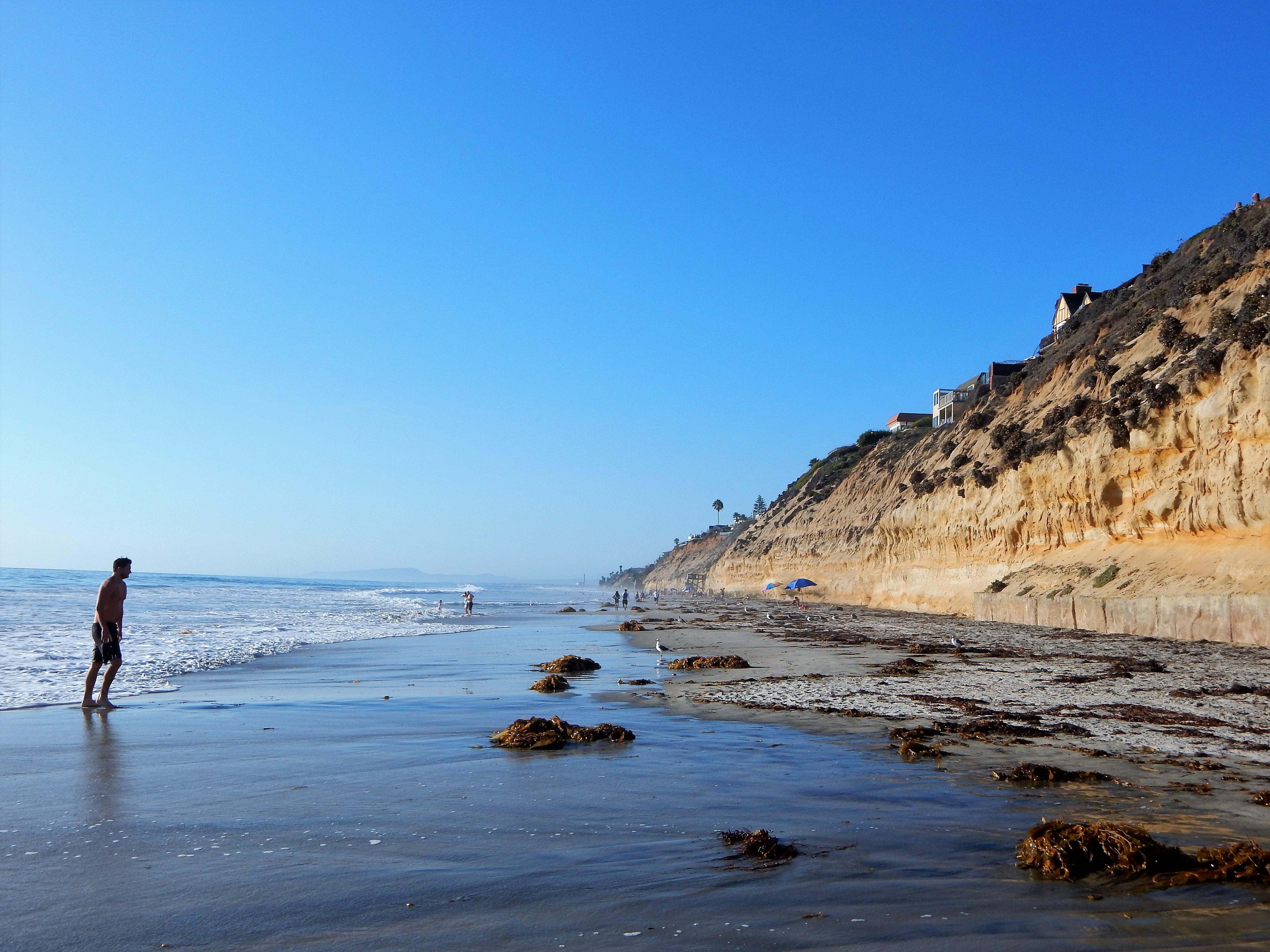 D Street Beach, Encinitas, CA - California Beaches