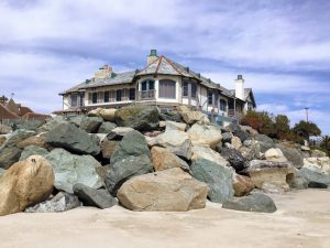 Corner house Saint Malo Beach