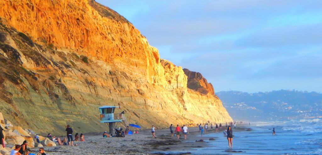 Torrey Pines State beach best san diego beach hikes