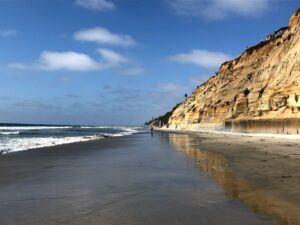 Stonesteps Beach Encinitas wet sand bluffs